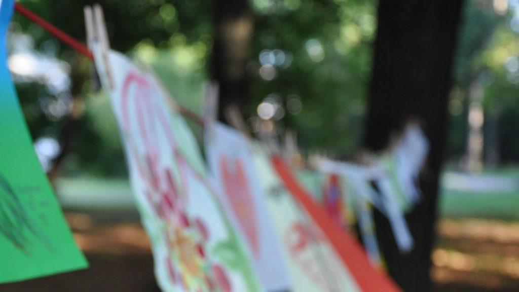 vlajky-StromPadajícíRosy